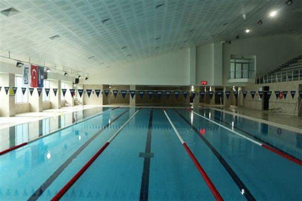 Halkalı Yüzme Havuzu